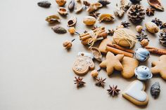 Spices are the key to baking. Cinnamon and nutmeg cookies are perfect for cold rainy season!