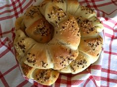 Canapes, Bagel, Food And Drink, Cookies, Breakfast, Recipes, Pains, Breads, Foods