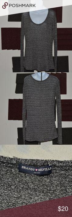 Brandy Melville Gray Long Sleeve Scoop Neck Shirt Cool, gray flowy scoop neck. Brandy Melville Tops Tees - Long Sleeve