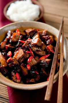A char siu pork recipe for Chinese barbecue, made with wild boar or pork. Slow cooked, slathered with sweet and spicy sauce, this is an awesome recipe. Venison Recipes, Meat Recipes, Asian Recipes, Venison Meat, Cooking Recipes, Game Recipes, Char Siu Pork Recipe, Sweet And Spicy Sauce, Asian Pork