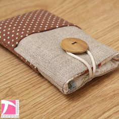 iPhone 4 4S pouch / iPod sleeve / cell phone by TeresaNogueira, €11.00