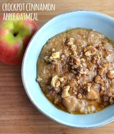 Crockpot Cinnamon Apple Oatmeal - Waking up to a warm bowl of delicious oatmeal that cooks for you overnight is hard to beat. The cold weather makes something warm for breakfast especially comforting.