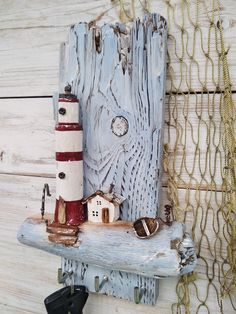 Key holder for wall Driftwood House Driftwood key holder Driftwood Wall Art, Driftwood Projects, Driftwood Beach, Beach Crafts, Fun Crafts, Diy And Crafts, Lighthouse Decor, Wall Key Holder, Small Canvas Art