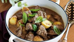 Our melt-in-the-mouth beef with potatoes is winter eating at its best. Just add two sides - a crunchy salad and cheesy baked mushrooms – and you've got one warming family meal. Slow Cooker Recipes, Cooking Recipes, Freezer Cooking, Baked Mushrooms, Freezable Meals, One Pot Dinners, Pinterest Recipes, Fabulous Foods, Greek Recipes