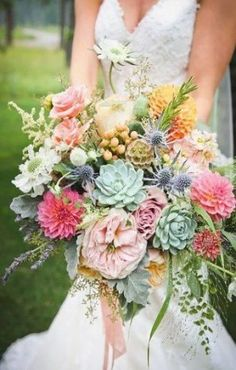 Numerous brides might understand the wedding event flower they desire in their own bouquet, however are a little mystified about the rest of the wedding flowers required to fill out the event and reception. Wedding Flower Guide, Wedding Flowers, Dahlia Wedding Bouquets, Making A Wedding Dress, Florida Wedding Venues, Succulent Bouquet, Wedding Venue Inspiration, Space Wedding, Trendy Wedding