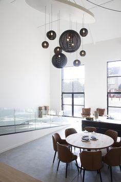 suspension salon - la collection Sangha fabriquée en rotin sombre