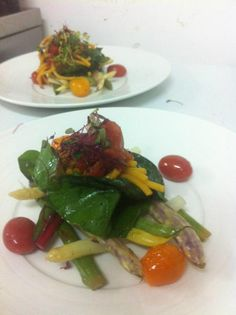 Vegan Experience at Niche Butternut spaghetti, dragons tongue bean, roasted cherry tomatoes, asparagus, beetroot leaves @NicheYEG on Twitter