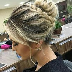 Latest Glamorous Braided Updo Hairstyles 2020 for Prom That are Truly Beautiful Latest Glamorous Braided Updo Hairstyles 2020 for Prom That are Truly Beautiful Loose Hairstyles, Bride Hairstyles, Bridesmaid Hair, Prom Hair, Wedding Hair And Makeup, Hair Makeup, Medium Hair Styles, Short Hair Styles, Hair Flow