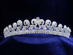 Kate Middleton Tiara - OK, it's a replica, but even us lowly commoners can own it for $52.