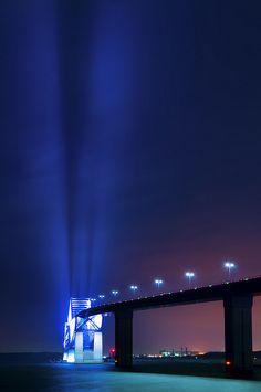 Tokyo Gate Bridge, Japan                              (rePinned 091413TLK)