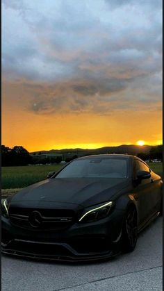 4 Door Sports Cars, Sport Cars, Mercedes Auto, Srt8 Jeep, Mercedes Benz Wallpaper, Car Backgrounds, Audi S5, Tesla Roadster, Top Luxury Cars