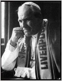 John-Paul Pope in liverpool scarf 1984 Liverpool Fans, Liverpool Home, Liverpool Football Club, This Is Anfield, Juan Pablo Ii, Liverpool History, I Have Forgotten, Pope John Paul Ii, St John Paul Ii