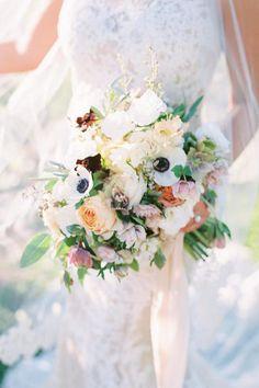 Perfect wedding winery inspiration Photo: @rachlovestroy Floral Wedding, Wedding Bouquets, Wedding Flowers, Wedding Day, Wedding Places, Wedding Flower Inspiration, Bridal Session, Perfect Wedding, Wedding Vendors