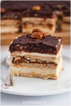 Find images and videos about food, cake and desserts on We Heart It - the app to get lost in what you love. Sweet Desserts, Delicious Desserts, Maxi King, Vegan Junk Food, Vegan Sushi, Polish Recipes, Polish Food, Vegan Smoothies, Vegan Kitchen