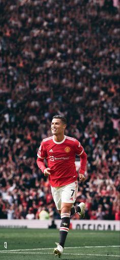 Ronaldo Football, Football Icon, Football Players, Manchester United Poster, Manchester United Wallpaper, Fc Barcelona Wallpapers, Cristiano Ronaldo Wallpapers, Cristiano Ronaldo 7, Football Wallpaper