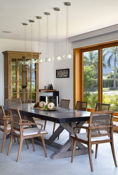 New Home Designs, Dining Area, Dining Room Table, Dining Room Design, Space Furniture, Outdoor Furniture Sets, Villa, Dinner Room, Luxury Dining Room
