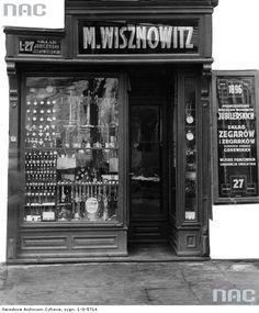 Witryna sklepu jubilerskiego M. Wisznowitza we Lwowie, 1931