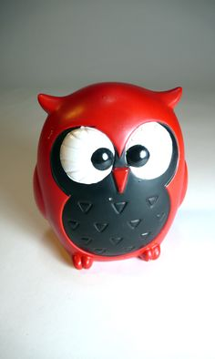 forest friends, vintage 60's red MOD OWL japanese ceramic figurine bank