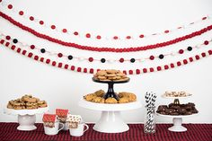 Cookies and Cocoa party! Share your baked holiday goodness with these free party printables! Cocoa Party, Party Printables, Birthday Cake, Cookies, Baking, Holiday, Desserts, Free, Crack Crackers