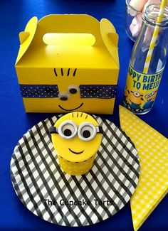 Minion party Despicable Me Party, Minion Party, I Party, Beach Party, Party Ideas, 5th Birthday, Birthday Parties, Birthday Ideas, Minion Theme