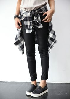 Easy layored , simple style, street fashion , layored ... I'm starting to get into plaid flannels