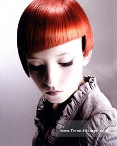 HOB SALONS Kurze Rot weiblich Gerade Shortfringe Moderne Frauen Haarschnitt Frisuren hairstyles
