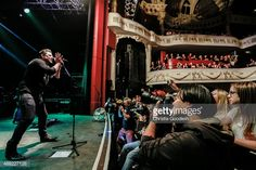 Chris Young performs on stage at O2 Shepherd's Bush Empire on September 14, 2015 in London, England.