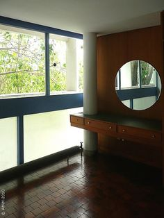 100420-61 LA PLATA - Casa Curuchet (arq. Le Corbusier) - tocador