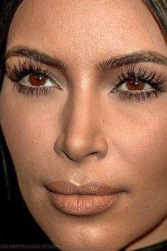 kim kardashian Close-Up Kim Kardashian Tattoo, Kim Kardashian Eyelashes, Kardashian Beauty, Kardashian Style, Kardashian Jenner, Kim Kardashian Without Makeup, Kardashian Photos, Pretty Makeup, Makeup Looks