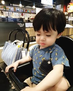 Cute Baby Boy, Cute Little Baby, Lil Baby, Little Babies, Cute Boys, Baby Kids, Cute Asian Babies, Korean Babies, Cute Babies