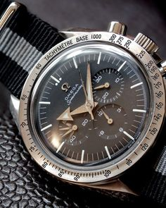 Watches Ideas Omega Speedmaster Broad Arrow Chronograph on NATO strap Discovred by : Todd Snyder Dream Watches, Fine Watches, Sport Watches, Luxury Watches, Cool Watches, Watches For Men, Armani Watches, Moonwatch Omega, Omega Speedmaster Broad Arrow