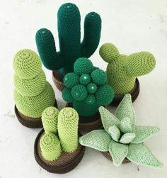 imagenes de como hacer cactus a crochet Crochet Amigurumi, Bead Crochet, Cute Crochet, Crochet Dolls, Cactus En Crochet, Crochet Flowers, Crochet Mignon, Cactus Craft, Confection Au Crochet