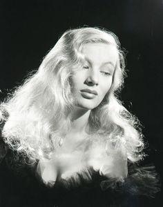 Veronica Lake, 1940s  viavintagesonia