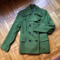 HP Best of Fall 10/31/15  Wool Pea-coat Host Pick 10/31/2015 Best Of Fall.  Olive green peacoat in excellent condition. A true classic. Two front pockets still uncut. Size is extra small and fits 0-2. If you have questions, please ask. Banana Republic Jackets & Coats Pea Coats