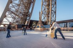 Open daily from December 1 to January 31, from 10:30 to 22:30, the rink is free for all visitors of the Eiffel Tower.