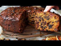 Christmas Cake Recipe – Easy Fruit Cake that beautifully moist! Moist Fruit Cake Recipe, Easy Cake Recipes, Xmas Food, Christmas Cooking, Best Christmas Cake Recipe, Boiled Fruit Cake, Christmas Pudding, Christmas Treats, Moist Cakes