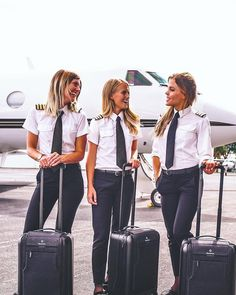 Talent wins games, but teamwork and intelligence win championships. ➖➖➖➖➖➖➖ 👈… Source link🇸🇪🇸🇪 Talent wins games, but teamwork and intelligence win championships. Spieth Und Wensky, Pilot Uniform, Commercial Pilot, Team Goals, Airline Pilot, Airplane Flying, Helicopter Pilots, Female Pilot, Flight Attendant Life