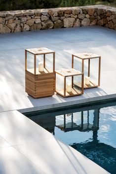 Outdoor Sconce Lighting, Modern Lighting, Swimming Pool Parts, Modern Lanterns, Backyard Garden Design, Garden Lamps, Modern Landscaping, Exterior Lighting, Terrazzo