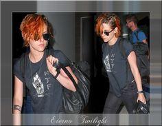 Kristen Stewart Embarcando No Aeroporto de Los Angeles Rumo A Tóquio Kristen Stewart foi vista nessa quarta-feira, 24 de julho, no Aeroporto Internacional de Los Angeles! A atriz estava acompanhada de um amigo e dois guarda-costas enquanto estava a caminho de seu voo para Tóquio, onde iniciará as gravações de Equals, seu novo filme. Confiram.