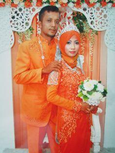 """the Malay wedding dresses"" Malay Wedding Dress, Wedding Dresses, Wedding Preparation, Culture, Engagement, Formal Dresses, Fashion, Bride Dresses, Dresses For Formal"