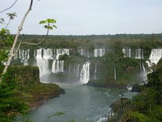 We visit the Brazilian side of the Iguazu falls. Come see for yourself a panoramic view of the worlds largest falls.