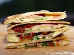 Quesadillas med ruccula, ost, skinke og soltørket tomat (smaker helt fantastisk)   TRINEs MATblogg