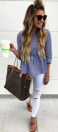 #summer #outfits Grey Tee Ripped Skinny Jeans