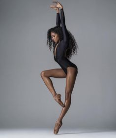 Beautiful ballet dancer and pose Black Dancers, Ballet Dancers, Ballerinas, Ballet Photography, Photography Poses, Figure Photography, Black Ballerina, Ballerina Poses, Ballerina Project