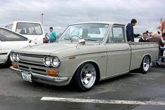 1970 datsun pickup