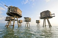 Image: World War II Maunsell sea forts, Herne Bay in Great Britain (© Neil Brown/Getty Images)