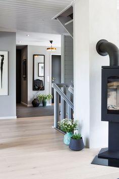 Seks stoler ble til ny førsteetasje - Byggmakker+ Decor, Living Room, Furniture, Home Decor, Fireplace, Mirror