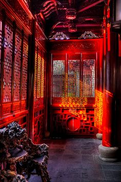 Sunlight Coming in, Yuyuan Gardens, Shanghai, China