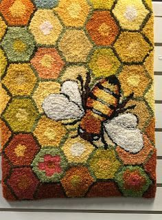 Learn stitches and new ideas for embellishing on wool. Tips on dyeing wool. And a source for purchasing wool. Rug Hooking Designs, Rug Hooking Patterns, Wooly Bully, Bee Creative, Punch Needle Patterns, Latch Hook Rugs, Rug Inspiration, Hand Hooked Rugs, Bee Art