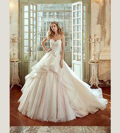 Vestido de Noiva de Nicole (NIAB17068), corte princesa, decote coração, comprido, sem mangas